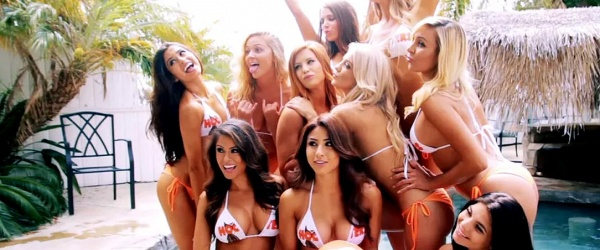 Hooters photoshoot swimsuit
