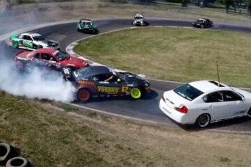 Badchix Twelve Car Tandem Drift