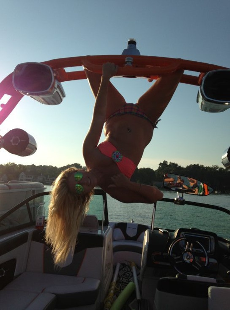 Goofy Girls are Cool in our Book (34 Photos) 16