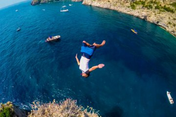 Cliff Jumping Italy