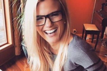 blond girl smile