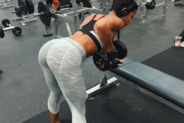 Gorgeous Girls in Yoga Pants (37 Photos)