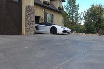 Lamborghini owner picks up homeless man