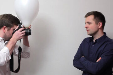 Simple Balloon Diffuser for pop-up Flash in Portrait Photography