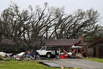 The Aftermath of Hurricane Harvey (34 Photos)