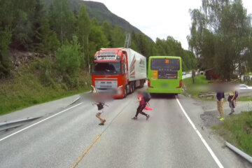 Volvo Truck Auto brake system Kicks in and Saves Two Kids Live 1