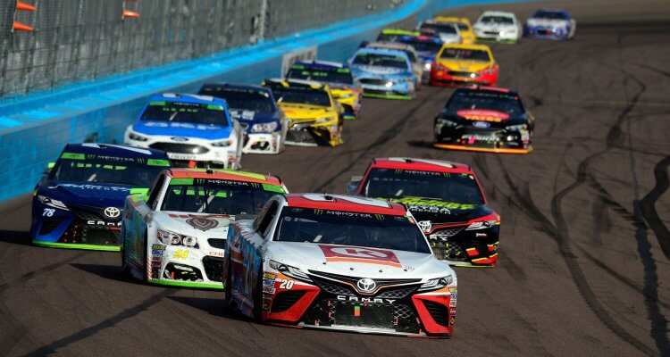 Massive crash at the 2019 Daytona 500 takes out 21 cars 1